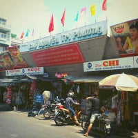 Photo taken at Nguyen Tri Phuong Market by Ha T. on 3/29/2013