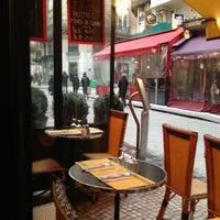 Photo taken at Drôle d'Endroit pour une Rencontre by lybik on 1/18/2013