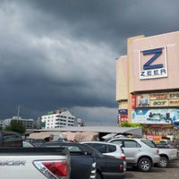 Photo taken at Zeer Rangsit by Anniie N. on 9/17/2012