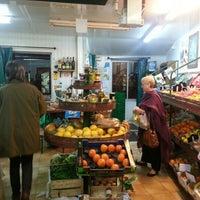 Photo taken at Des Fruits Des Légumes Bio by Longboard34 D. on 11/14/2012