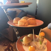 Photo taken at Tea Lounge at Mandarin Oriental, Las Vegas by Najeong Sunny M. on 1/15/2016
