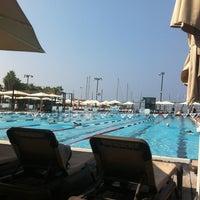 Photo taken at Gordon Swimming Pool by Assaf H. on 9/28/2012
