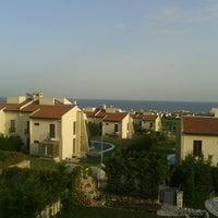 Photo taken at Sinpaş Sealybria by yesilyurt k. on 5/29/2013