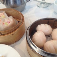 Photo taken at La Maison Kim Fung 金豐酒家 by Jenny X. on 4/7/2014