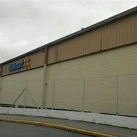 Photo taken at Walmart by Silvio Sérgio d. on 1/12/2013