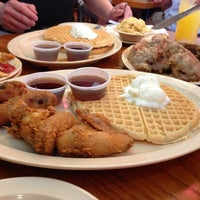 Photo taken at Roscoe's House of Chicken and Waffles - Long Beach by Bon B. on 3/4/2013