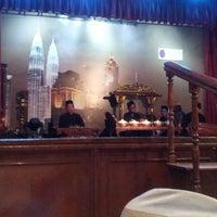 Photo taken at Restoran Seri Melayu by Nabilah J. on 5/9/2013