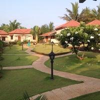 Photo taken at Leoney Resort Anjuna by Kamlesh G. on 6/4/2014