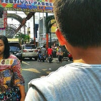 Photo taken at Pasar Baru (Passer Baroe) by rizka n. on 6/16/2013