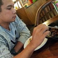 Das Foto wurde bei The Kiosk Pasar Dago von Nanda D. am 12/25/2012 aufgenommen