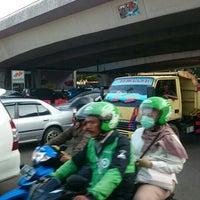 Photo taken at Perempatan Kuningan (Traffic Light) by Joko P. on 6/24/2016