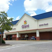 Photo taken at Giant by Anna J. on 7/7/2013