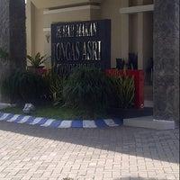 Photo taken at Rumah Makan Tongas Asri by Dody S. on 5/10/2013