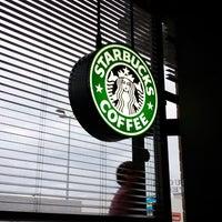 Photo taken at Starbucks by Roberto d. on 9/12/2013