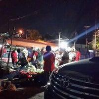 Photo taken at Pasar Keputran Utara by indy on 8/3/2014