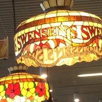 Photo taken at Swensen's by Nathaniel H. on 1/8/2016