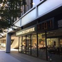 Photo taken at Starbucks by LLCoolShaun on 9/26/2016