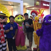 Photo taken at McDonald's by Cesar S. on 9/30/2016