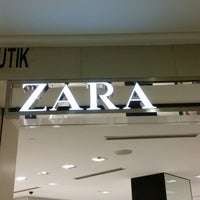 Photo taken at Zara by Mista Irwan Shazfan R. on 6/6/2014