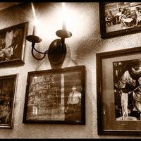 Photo taken at Italianni's Pasta, Pizza & Vino by DiegoCL on 9/14/2011