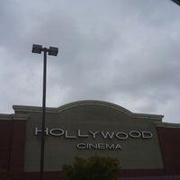 Photo taken at Hollywood 16 Cinema by Larisa on 4/28/2013