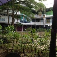 Photo taken at Fakulti Senibina, Perancangan dan Ukur by Akmal N. on 6/16/2013