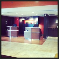 Photo taken at Courtyard by Marriott by Edmund R. on 8/9/2013