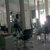 Photo taken at Minik Salon by Nirwana S. on 12/16/2012