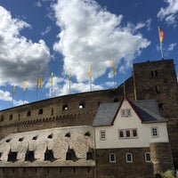 Photo taken at Schloss Rheinfels by maipooky on 5/6/2015