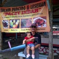 Photo taken at Kolam Pancing & Lesehan Pacet Indah by Erlanggono K. on 11/2/2014