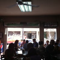 Photo taken at Restaurante Pizza Zeina by Alberto R. on 3/23/2013