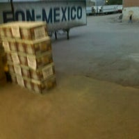 Photo taken at Transportes León - México by Franco Javier S. on 3/13/2013