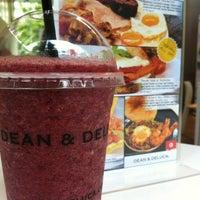 Photo taken at Dean & DeLuca by Fairlady Z Y. on 11/11/2012