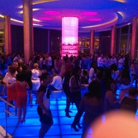 Photo taken at Bleau Bar @ Fontainebleau by Dave L. on 6/23/2013
