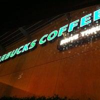 Photo taken at Starbucks by Ap3z :. on 1/30/2013