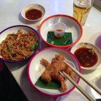 Photo taken at YO! Sushi by Sohee Y. on 3/30/2013