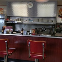 Photo taken at Huddle House by Don L. on 6/10/2013