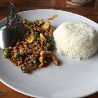 Photo taken at บ้านเอกเขนก by NUI 19 on 2/11/2016