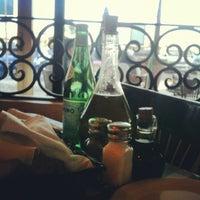 Photo taken at Italianni's Pasta, Pizza & Vino by Yo soy raul on 12/30/2012