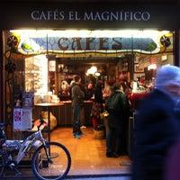 Photo taken at Cafés El Magnífico by Sergei V. on 3/15/2013