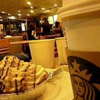 Photo taken at Starbucks Coffee by Vee V. on 7/4/2013