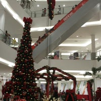 Photo taken at North Shopping Jóquei by Dafne C. on 11/16/2013