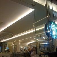 Photo taken at Starbucks by Pakorn H. on 5/6/2013