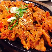 Photo taken at Red Pig Korean Restaurant (빨간돼지 한국식당) by Eithanda H. on 10/24/2014