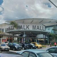 Photo taken at Wangsa Walk Mall by deen 3. on 3/17/2013