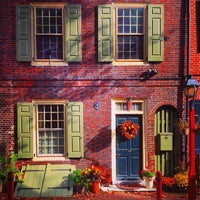 Photo taken at Elfreth's Alley Museum by Walter F. on 10/1/2014