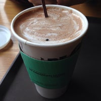 Photo taken at DE CHOCOLATE COFFEE by 윤선 박. on 11/24/2013