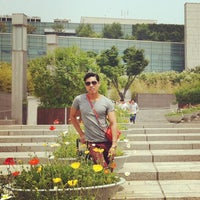 Photo taken at National Museum of Korea by Zhashi Z. on 5/24/2013