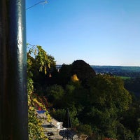 Photo taken at Avon Gorge Hotel by toby t. on 9/30/2015