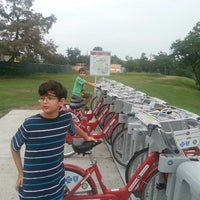 Photo taken at Spotts Park by Abenamar C. on 10/13/2013